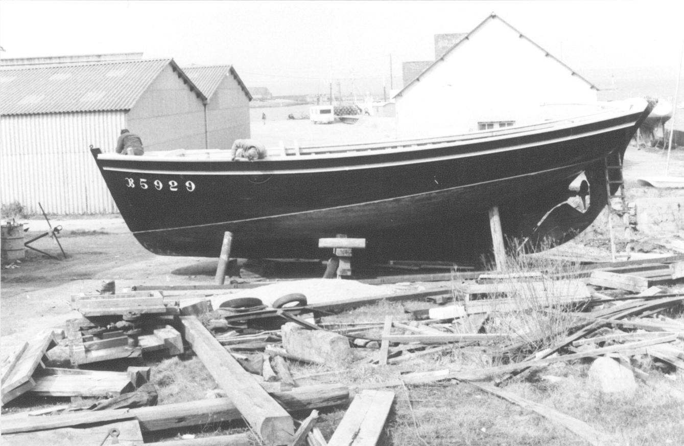 Restauration de la Bergère de Domrémy au chantier Pierre Lastenet à Camaret, en 1986