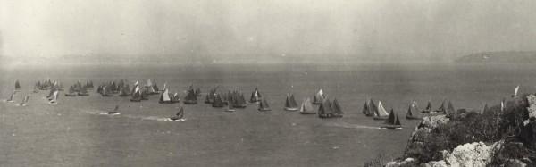 Au temps de la voile, jusqu'à 200 bateaux draguaient d'octobre à mai sur les bancs de coquilles de la rade de Brest.