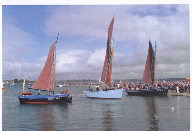 La Bergère de Domrémy, Saint-Guénolé et un autre coquillier de la rade de Brest à la fête du Tinduff (juillet 2014)